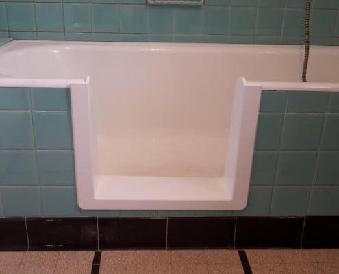 decoupe de baignoire simple habillage pvc